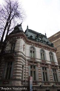 6, Biserica Amzei Str. - Radu Arion House (19th century, ne-gothic style)