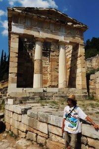 Θησαυρός των Αθηναίων (Athenian Treasury at delphi)