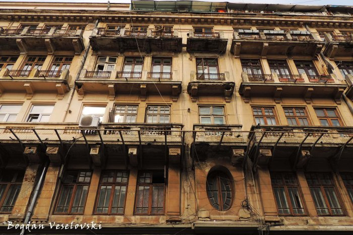 9, Franceză Str. - Apartment building (~1920, eclectic style)