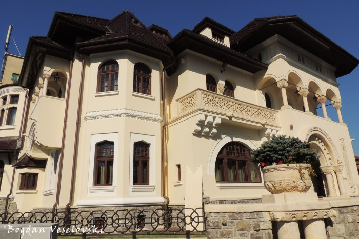 Prof. Dr. Gheorghe Marinescu Blvd. - House of Prince Nicholas of Romania