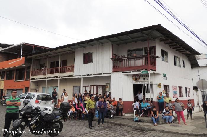 '24 de Mayo' corner with 'Cuenca'