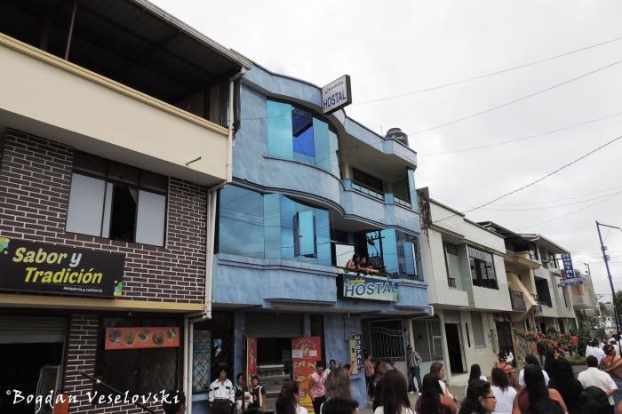 Hostels & restaurants