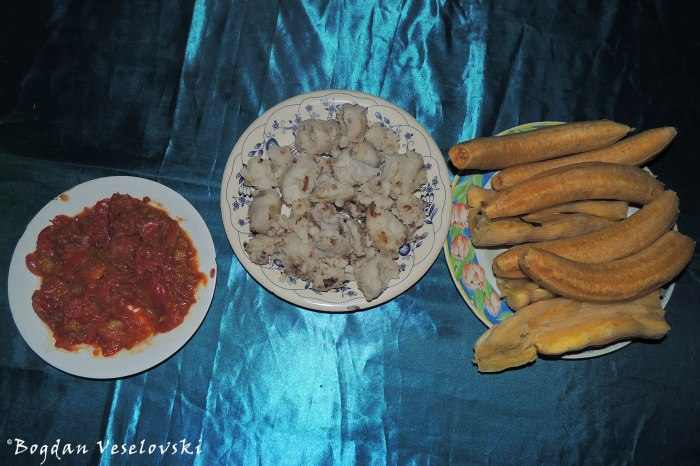 Fried tomatoes, taros, plantains, cassava