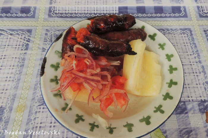 Sausages, cassava & salad