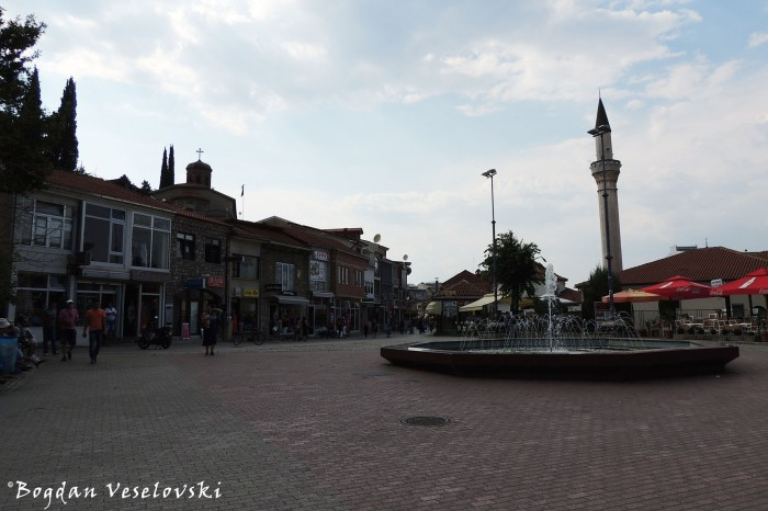 Krusevska Republika Square - Zeynel Abedin-Pasha Mosque