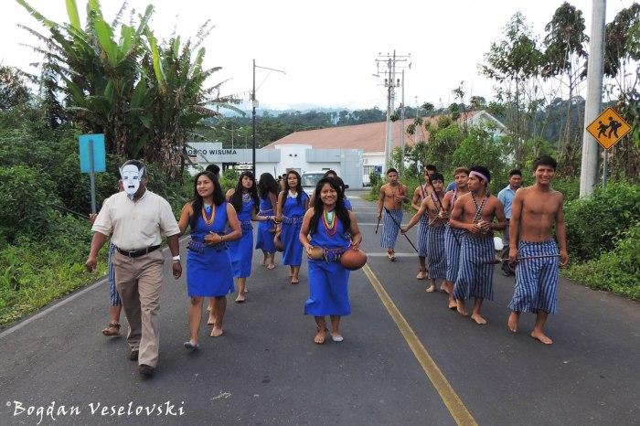 Shuar parade
