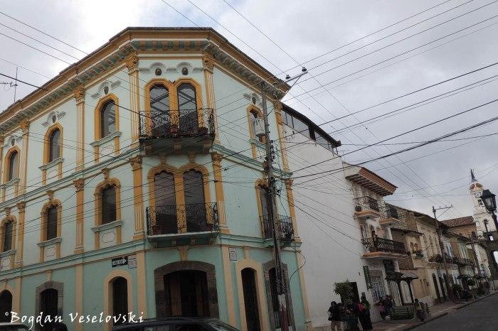 9 de Octubre ⟂ Simón Bolivar
