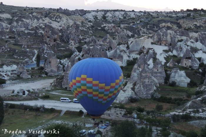 Göreme at dawn - hot air balloon