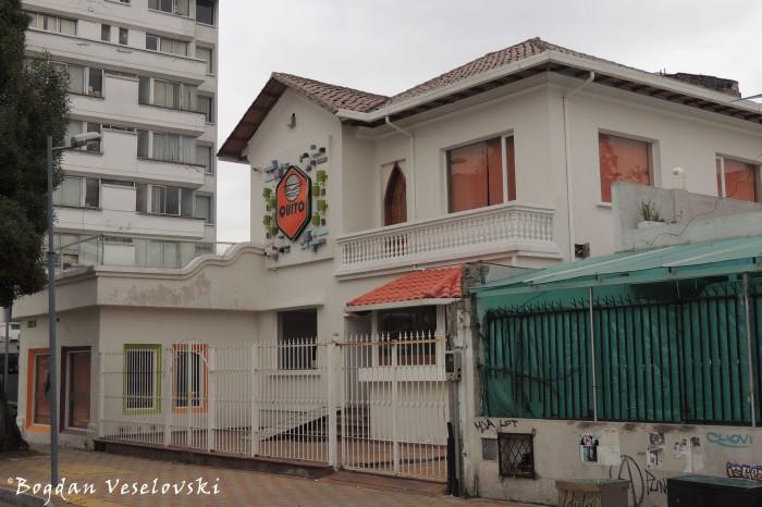 Lizardo Garcia Str. - Quito Burger