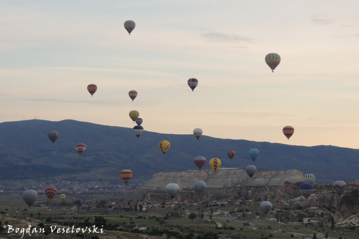 Morning in Cappadocia - Göreme hot air balloons