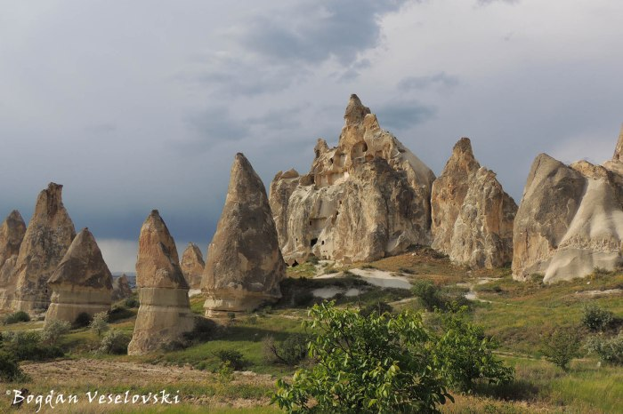 30-goreme-red-red-valleys