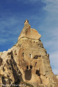 35-goreme-red-red-valleys