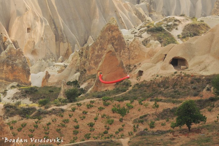 59-goreme-red-red-valleys