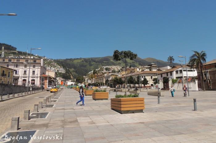 Bulevar-Plaza de la 24 de Mayo
